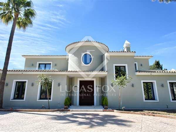 Villa de 640m² con terraza de 150m² en venta, Marbella Oeste