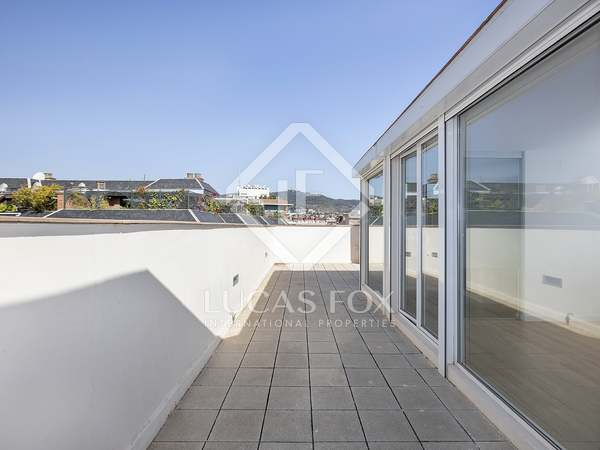 116m² Penthouse with 50m² terrace for rent in Turó Park