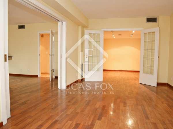 Appartement van 225m² te koop in El Pla del Real, Valencia
