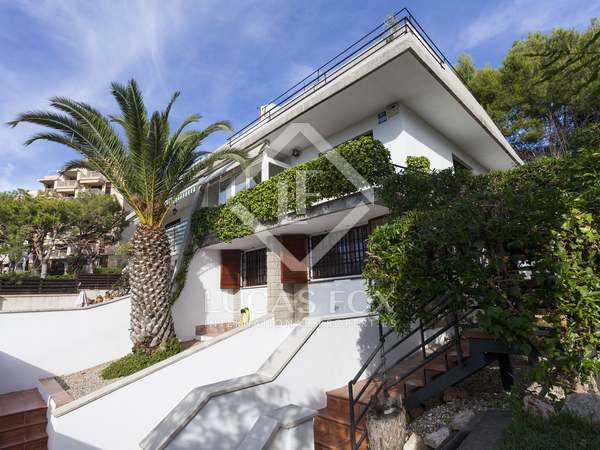 177m² house for sale in Vallpineda, Sitges