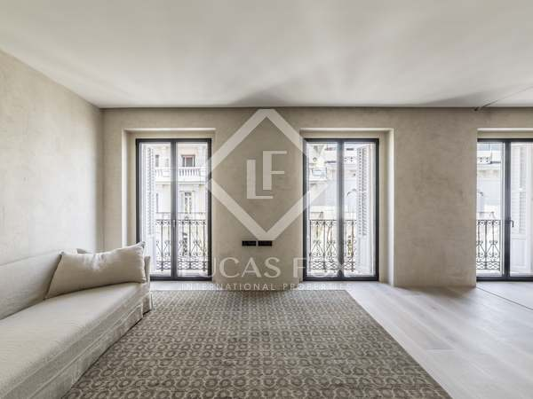 175 m² apartment for sale in Almagro, Madrid