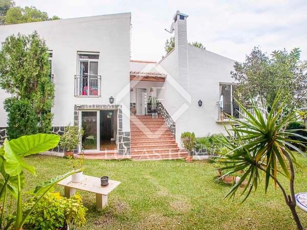 Casa de 244m² en venta en La Paz, cerca de Sagunto