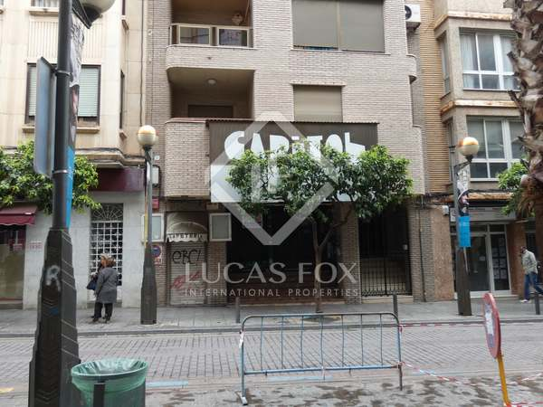 870 m² commercial venue for sale in Playa Sagunto, Valencia
