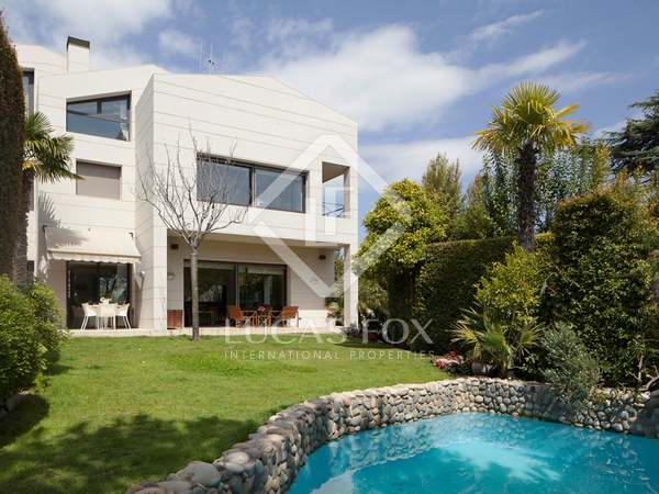Spectacular villa for sale in Alella, near Barcelona.