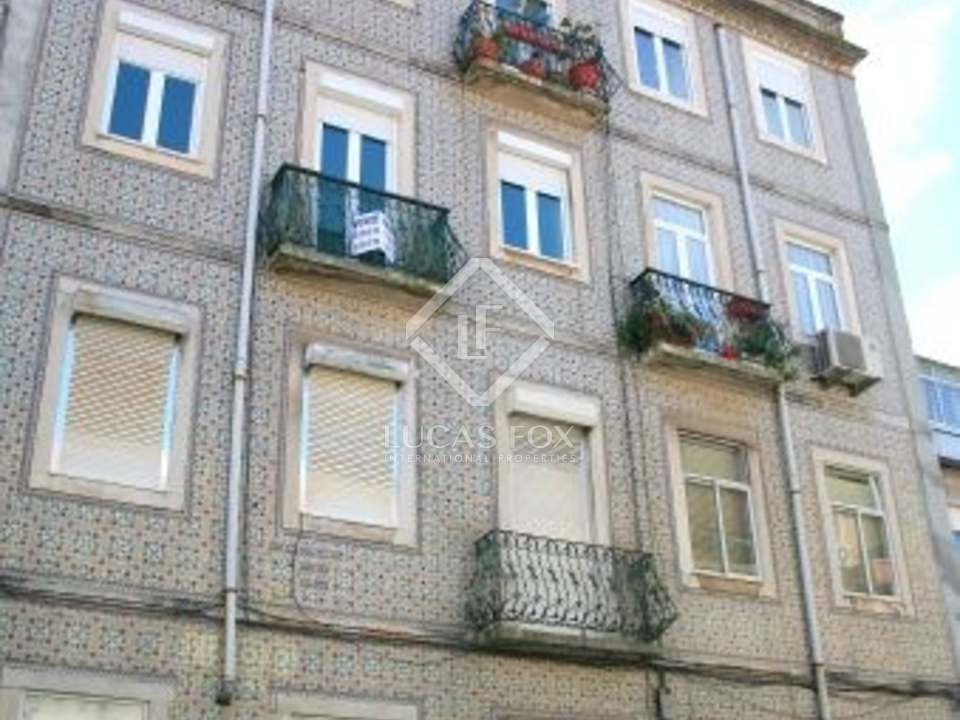 two bedroom flat to buy in Lapa district of Lisbon