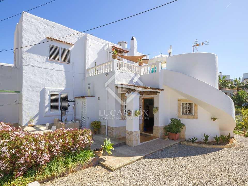 Casa unifamiliar de 3 dormitorios en venta en santa eulalia - Apartamentos en santa eulalia ibiza ...