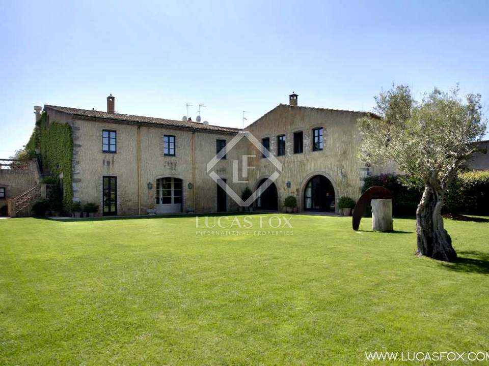 Extraordinary luxury Girona property to buy in an attractive village of the Alt Emporda near the beaches of the Costa Brava