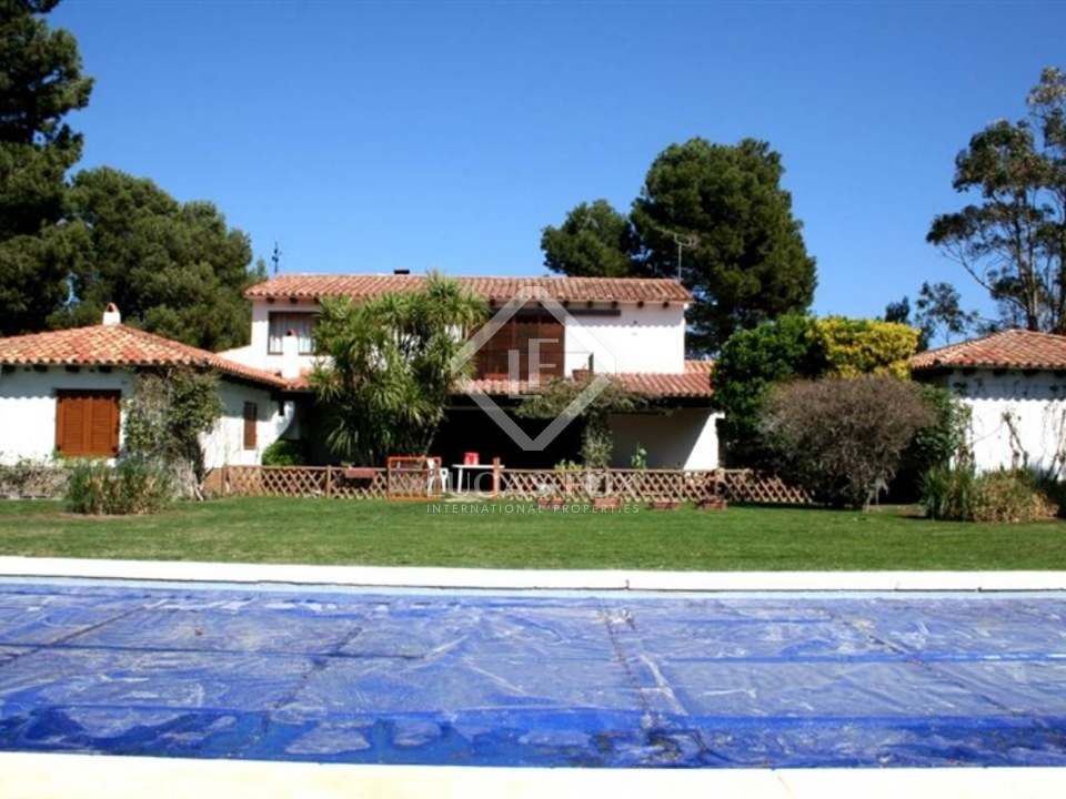 Stunning Mediterrean villa for sale near Begur on the Costa Brava with lovely sea views, pool and garden - located on a large plot of 4500m2 offering total privacy
