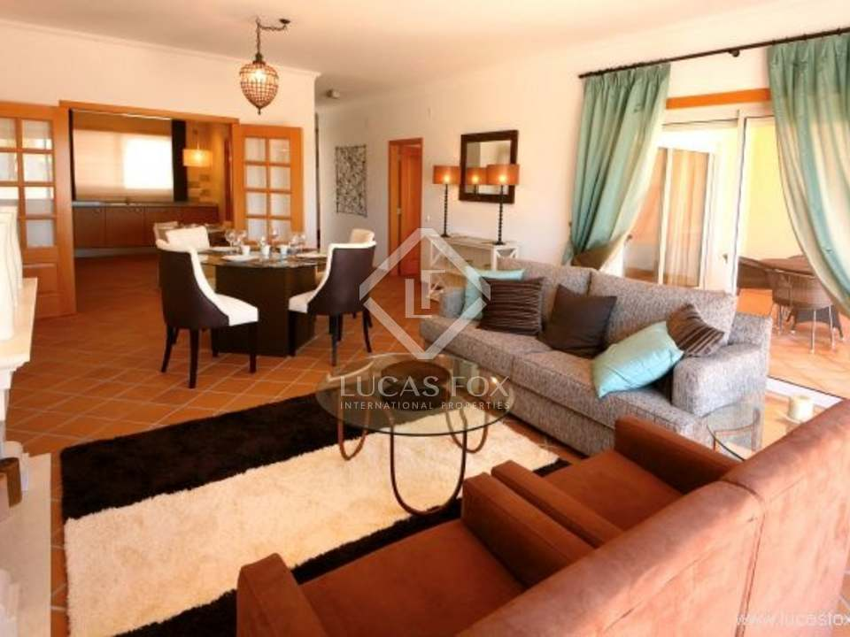 Villh for for sale in the exclusive Praia del Rey resort development on the Silver Coast. A fantastic Portugal property investment