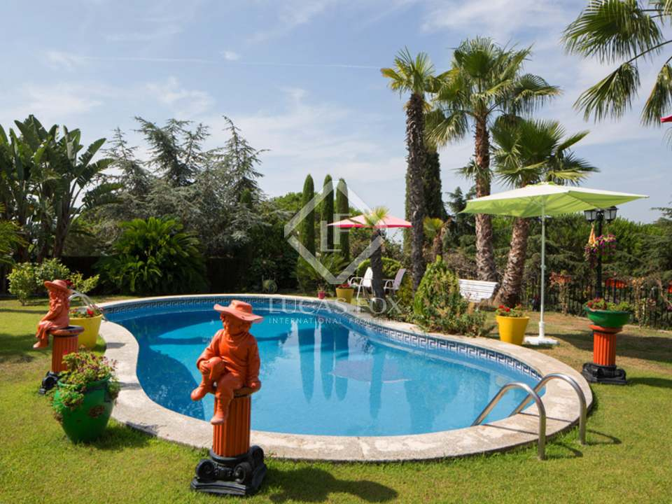 5 Bedroom House For Sale With Pool In St Vicen De Montalt