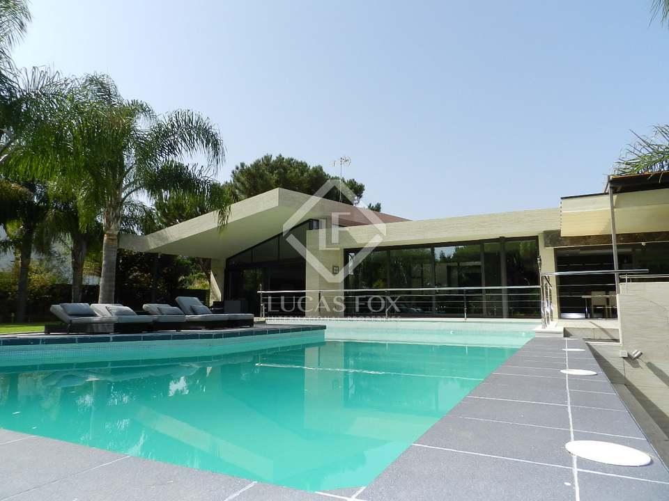 Villa & Pool - 5 bed luxury villa Hacienda las Chapas, Marbella