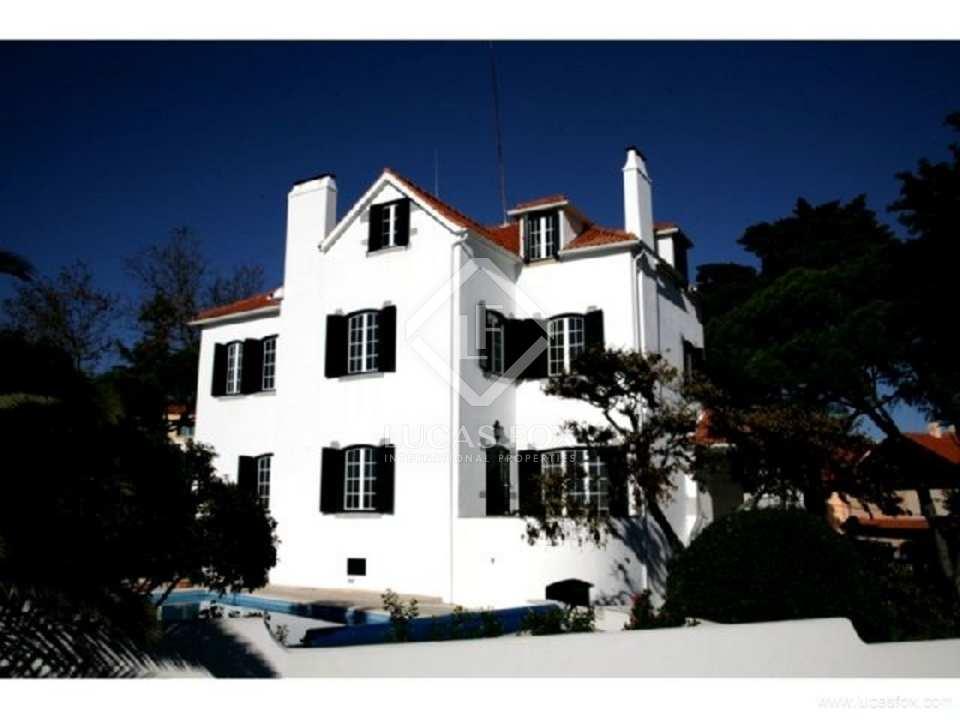 Estoril house for sale with sea views of Cascais
