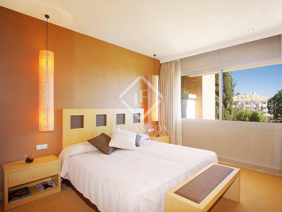 Bedroom - 3 Bed Apartment for sale, La Trinidad, Golden Mile, Marbella
