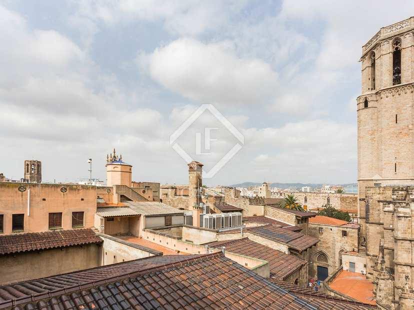 Tico reci n renovado en venta en el casco antiguo de - Casco antiguo de barcelona ...