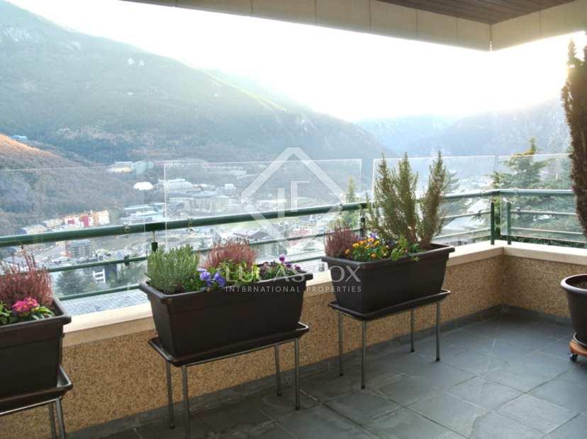 210m wohnung mit 12m terrasse zum verkauf in andorra la. Black Bedroom Furniture Sets. Home Design Ideas