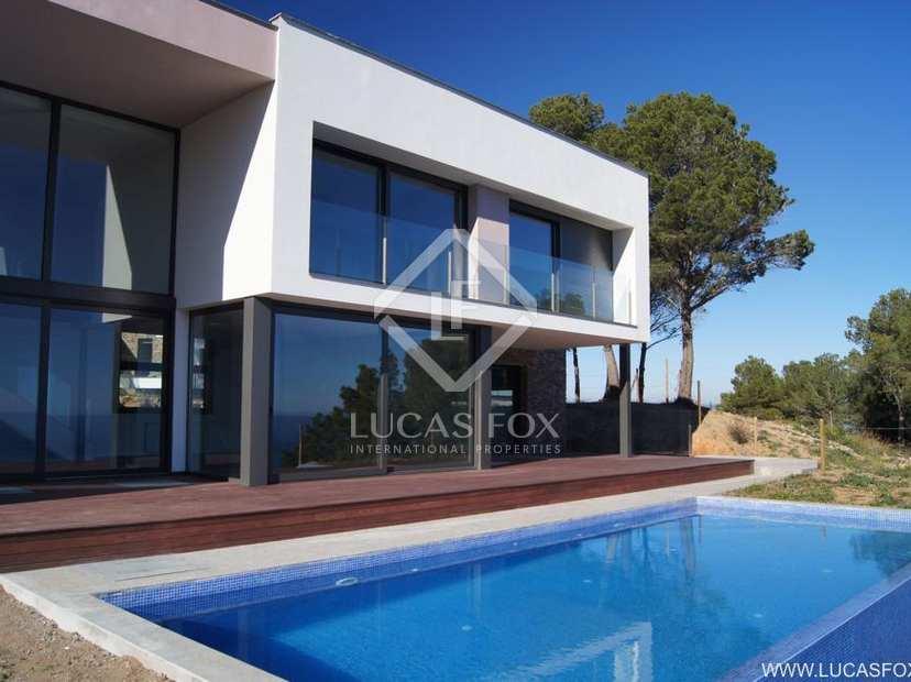 Villas modernes de bord de mer à acheter le long de la Costa Brava ...