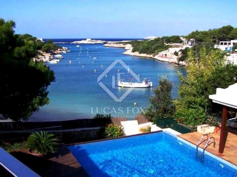 Villa de primera l nea de costa en venta en el oeste de - Casas de lujo en menorca ...