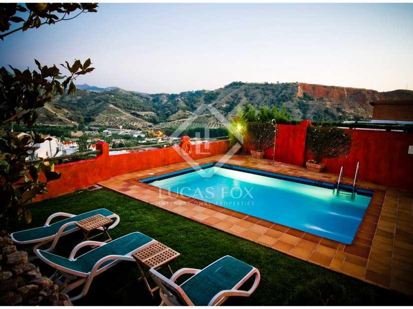 Beautiful boutique hotel for sale in granada by the alhambra for Best boutique hotels granada