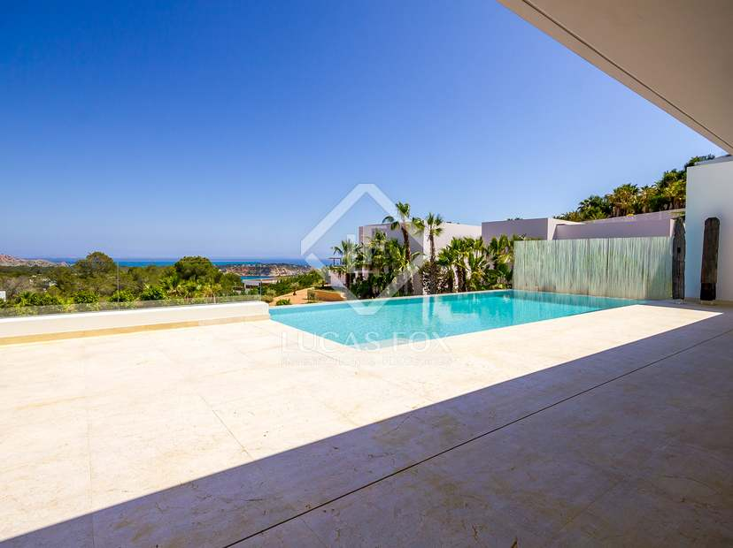 Villa de lujo de obra nueva en venta en vista alegre ibiza for Piscina infinita construccion