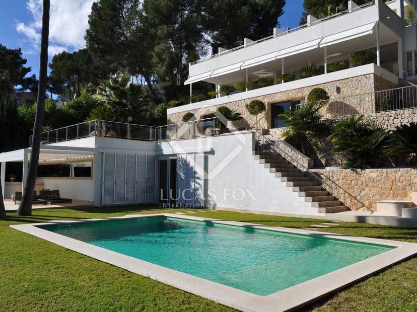 Villa de luxe en vente son vida palma de majorque for Maison palma de majorque