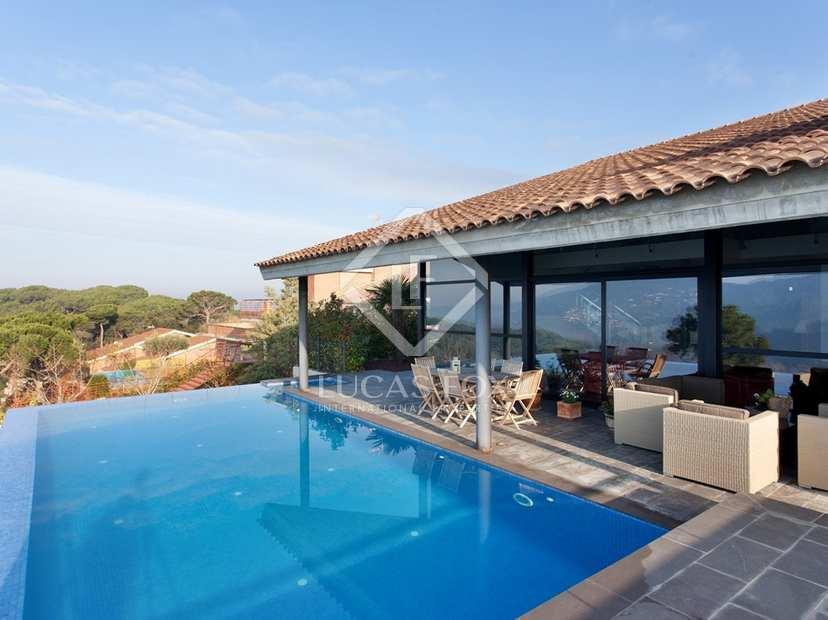 Villa nouvellement construite vendre dans la r gion de for Acheter une maison construite par un particulier