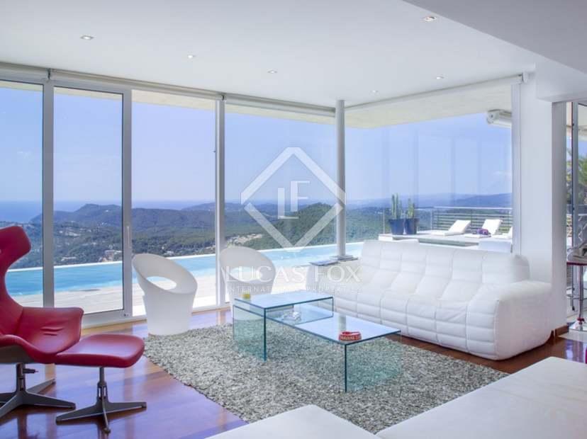 Eigentijdse stijl costa brava woning te koop met uitzicht op de zee - Eigentijdse stijl slaapkamer ...