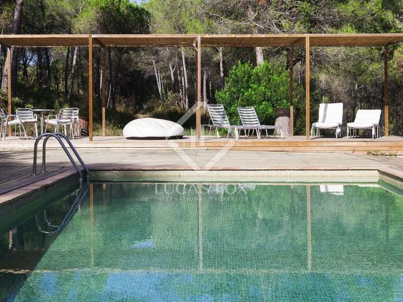 875m landhaus mit 298m terrasse zum verkauf in sant pere. Black Bedroom Furniture Sets. Home Design Ideas