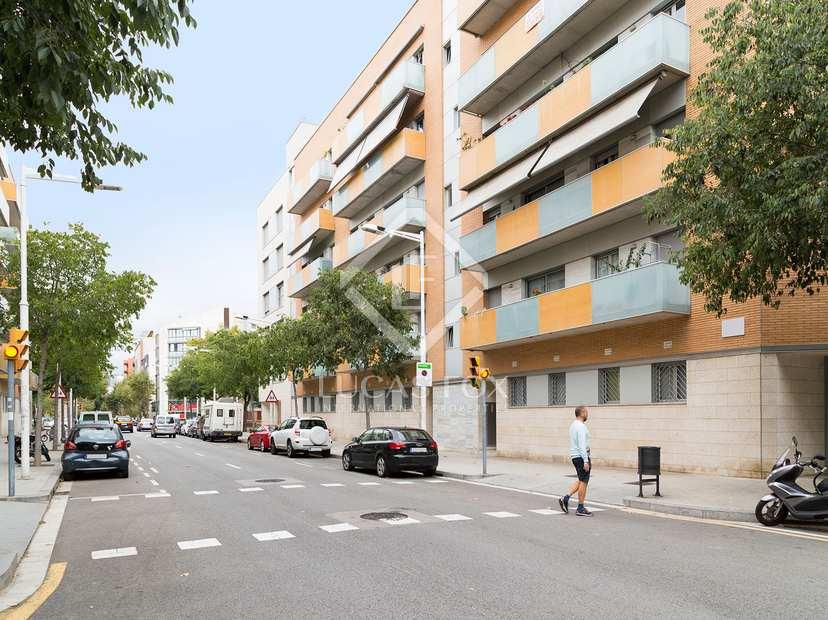 Appartement 4 pi ces vendre vila olimpica barcelone for Piscine 08000