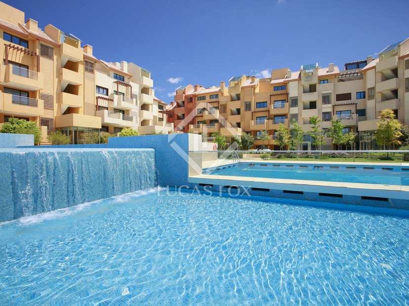 Baños Turcos Modernos:Apartamento de lujo de 2 o 3 dormitorios en primer línea con vistas