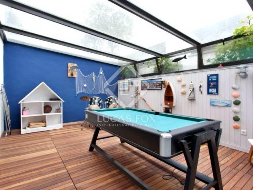 Moderne villa avec piscine en vente castelldefels gav mar for Villa barcelone avec piscine