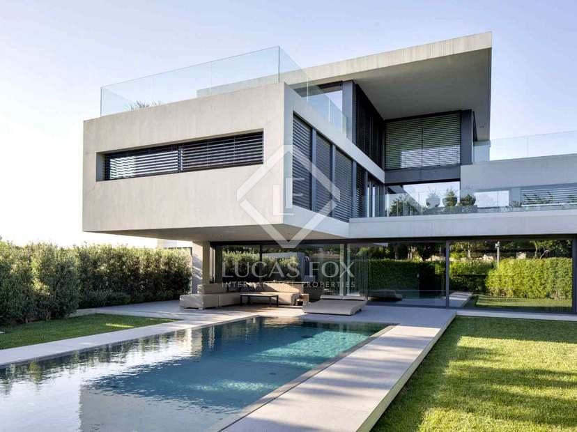Maison a louer barcelone maison extrieur de la maison for Appartement avec piscine barcelone