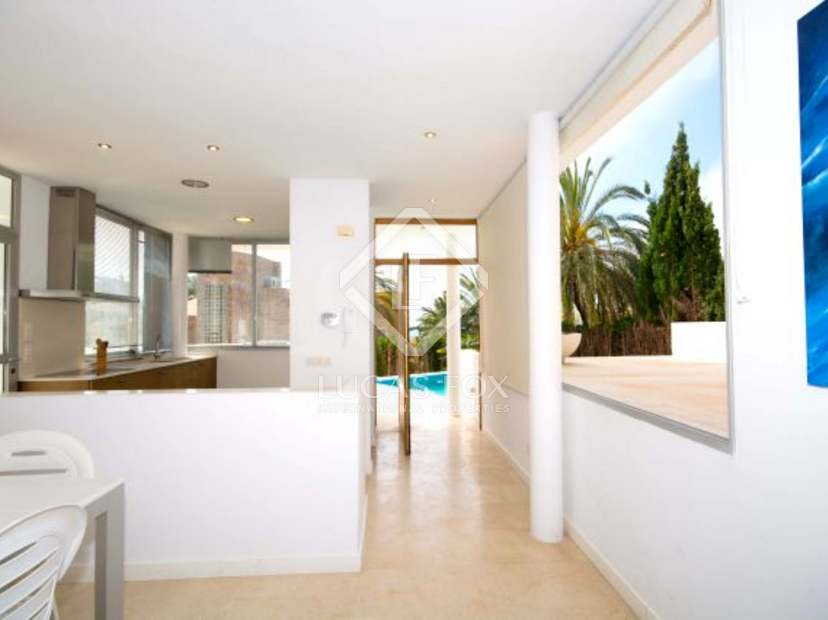 Baño Estilo Ibicenco:Casa de estilo ibicenco en venta, con piscina y vistas al mar, situada