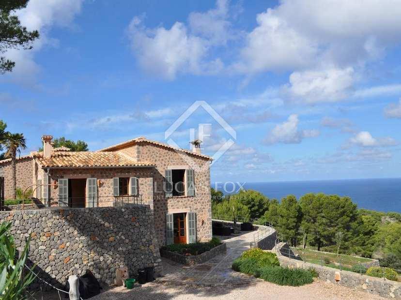 Hermosa villa de 5 dormitorios en el oeste de mallorca for Villa jardin lanus oeste