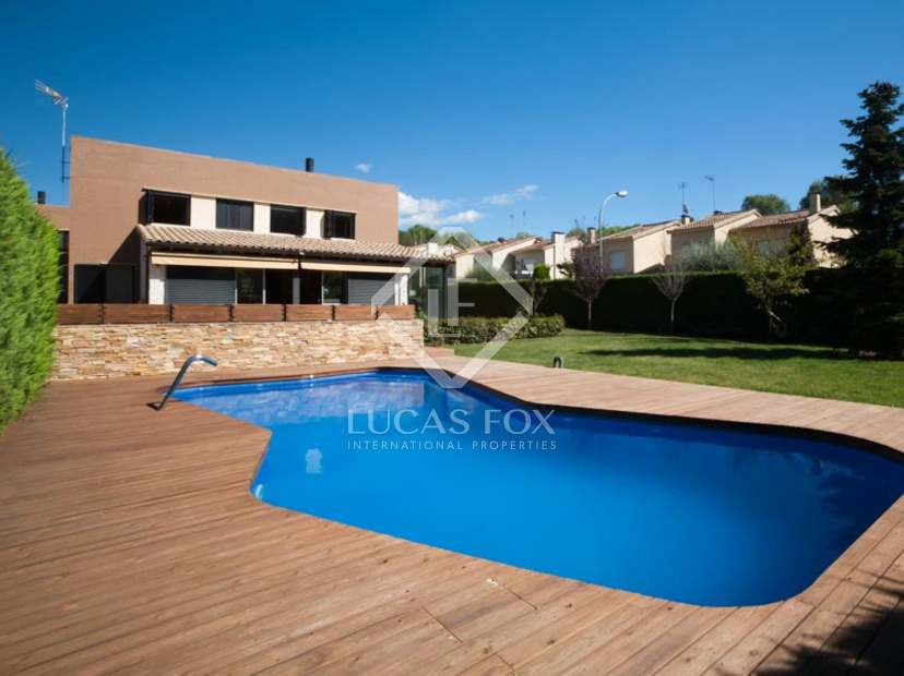 4 Bedroom Modern House With Pool For Sale In Vallromanes
