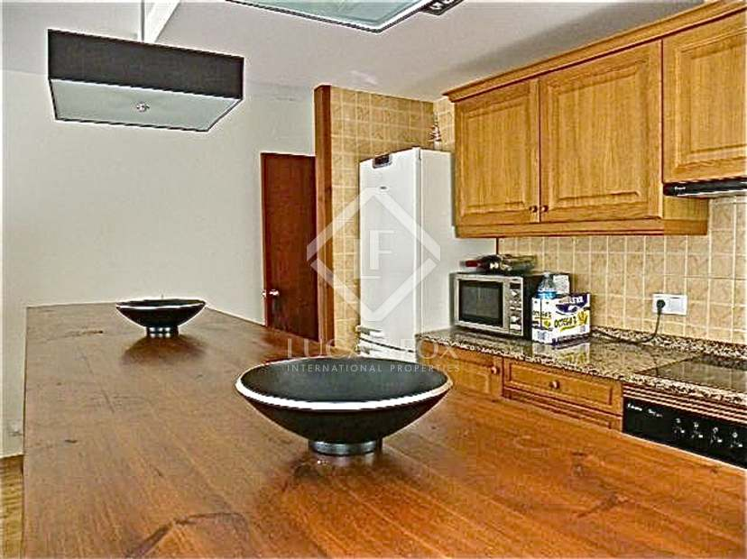 Apartamento de 2 dormitorios en venta en la zona de esqu for Muebles lira coslada madrid