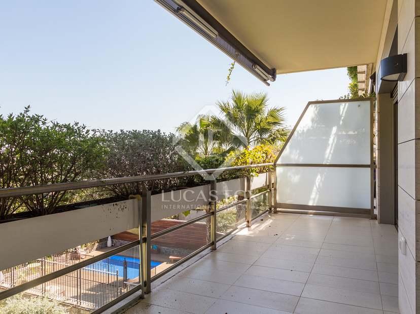 116m wohnung mit 30m terrasse zur miete in sant gervasi. Black Bedroom Furniture Sets. Home Design Ideas