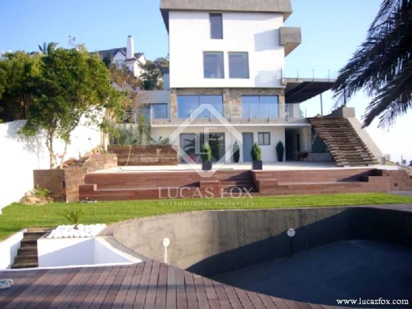 Five bedroom luxury villa for sale in Estoril