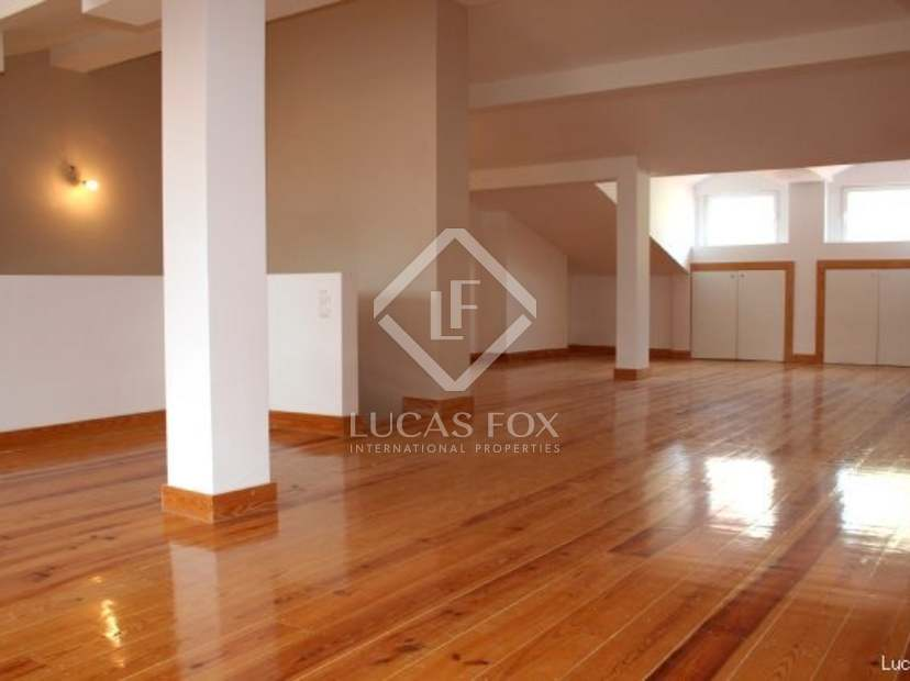 three bedroom duplex to buy in Lisbon