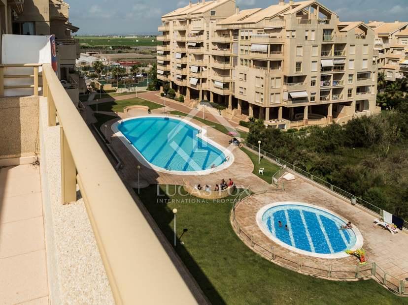 Penthouse en vente el perellonet valence for Club piscine laval centre de liquidation