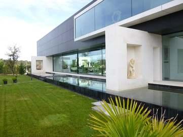 Luxury 6-bedroom villa for sale in Ciudalcampo, Madrid