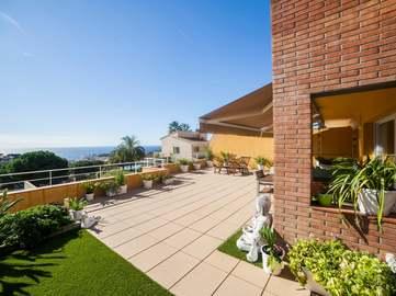 Casa con vistas en venta en Lloret de Mar, en la Costa Brava