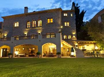 Luxury Costa Brava property for rent in Begur