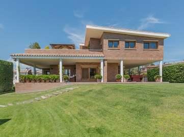 Designer Costa Brava villa for sale in Palamós