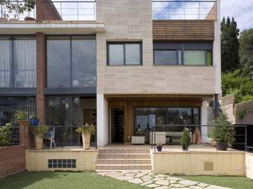 Modern house for sale in Sant Cugat/Valldoreix, Barcelona