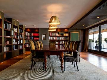 Luxury penthouse for rent in Barcelona's Eixample district