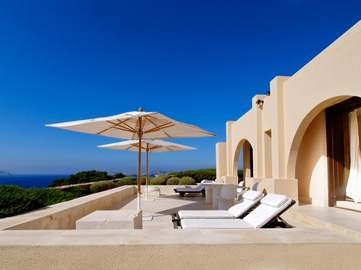 Villa de luxe au bord de la mer en vente à Ibiza, Caló d'en Real, Sant Josep.