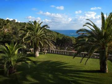 Begur coastal estate to buy overlooking Aiguafreda