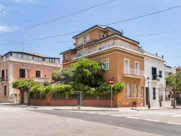 House for sale in Tres Torres, Barcelona