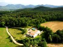 Large Girona country property to buy near the town of Banyoles and the historic city of Girona