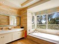Bathroom - 3 Bed Apartment for sale, La Trinidad, Golden Mile, Marbella